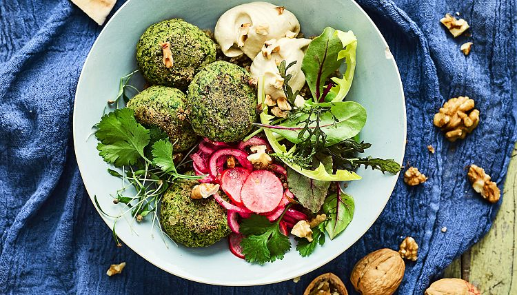 california-walnut-falafel-and-quick-pickled-radish-buddha-bowl_high-res_2000x1142px_150dpi.jpg