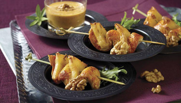 Hähnchen-Ananas-Satés mit köstlichem Walnuss-Dip