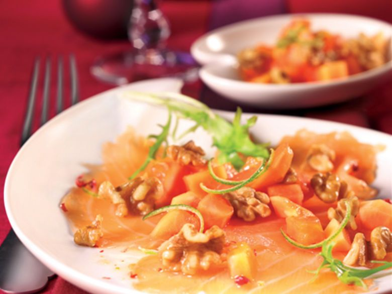 Lachs-Carpaccio mit Papaya-Walnuss-Salsa