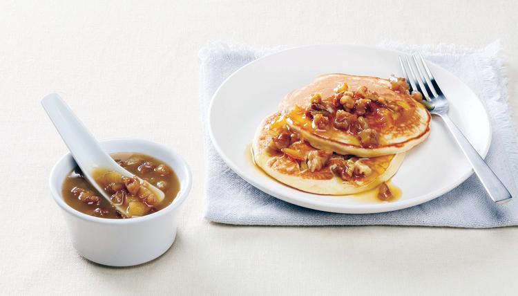 Pfannkuchen mit Orangen-Walnuss-Sauce