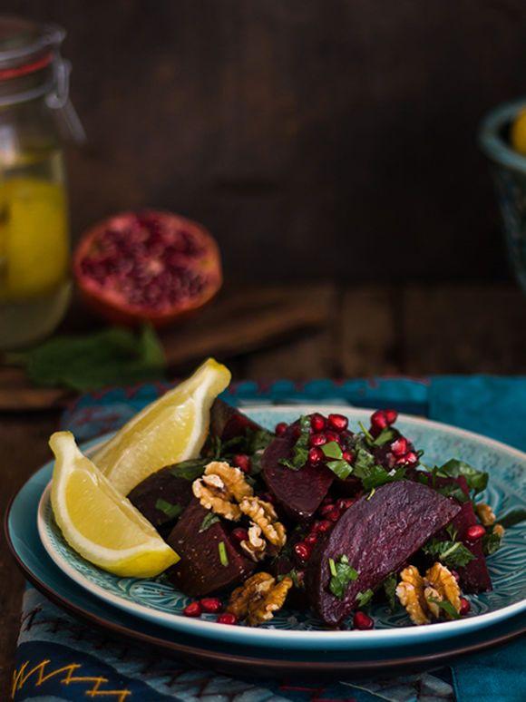 rote bete salat mit waln ssen granatapfel und salzzitronen. Black Bedroom Furniture Sets. Home Design Ideas
